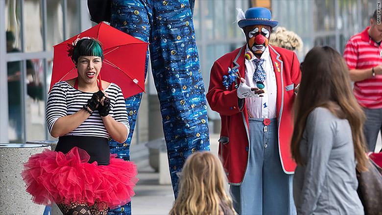 fern street circus san diego performers