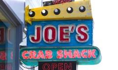 Joe's Crab Shack backs away from no-tipping policy