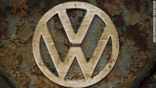 U.S. prosecutor: Volkswagen's top execs ordered emissions cover-up