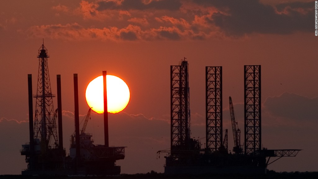 Low oil prices hit energy stocks