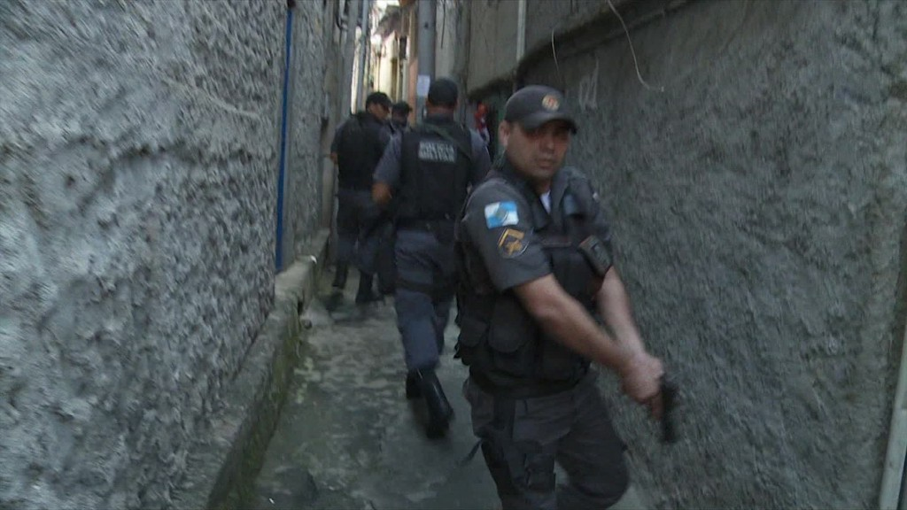Specter of rampant crime threatens Rio games