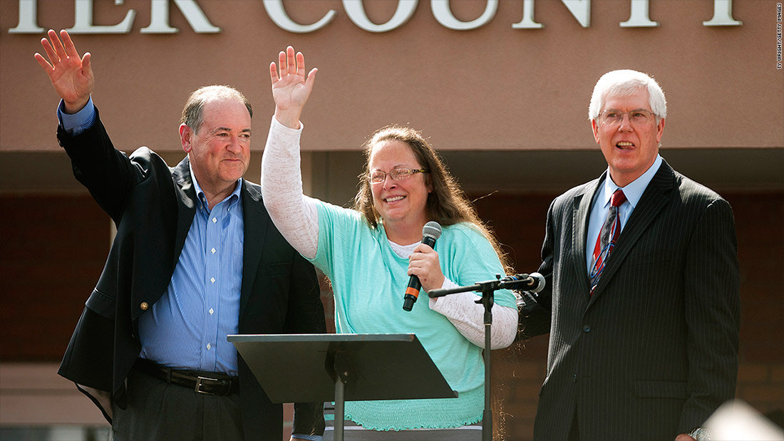 Mike Huckabee paying $25,000 for playing 'Eye of the Tiger'