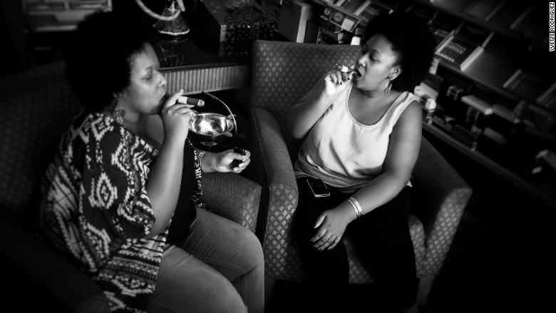 These twins sisters are taking on the cigar world