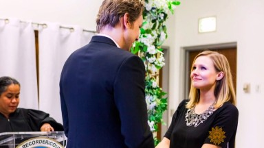 Kristen Bell shares glimpse of $142 wedding
