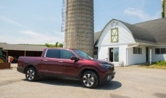 2016 Honda Ridgeline finally stops apologizing for being a truck