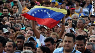 venezuela protest crowd