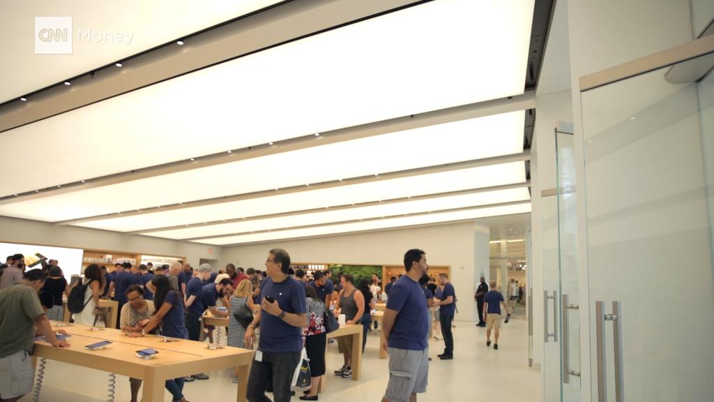 Inside Apple's new World Trade Center store