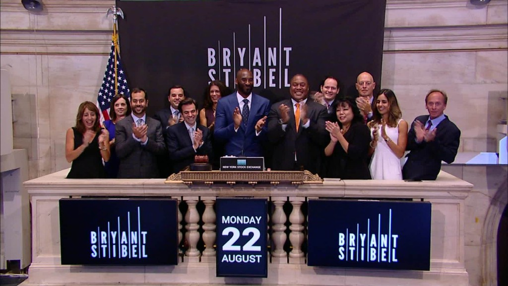 Kobe Bryant rings the NYSE bell