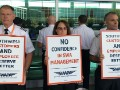 Southwest Airline pilots take to picket lines