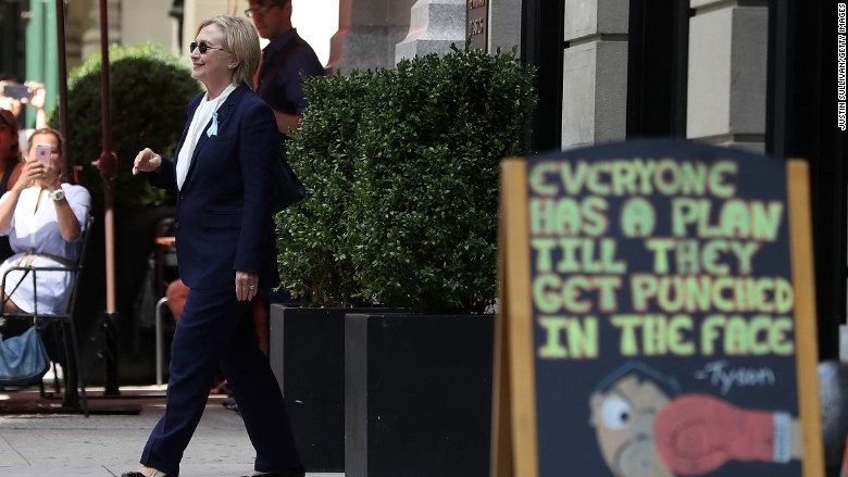hillary clinton leaves chelsea clinton apartment