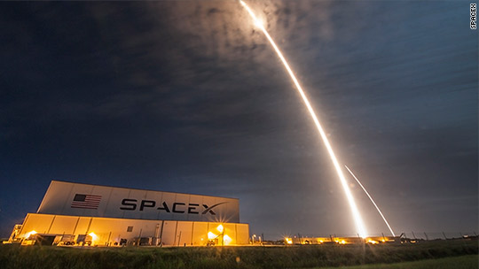 SpaceX successfully tests engine for Mars missions