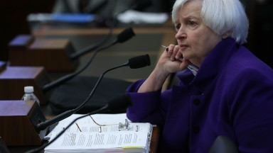 Yellen battles congressman over Fed independence