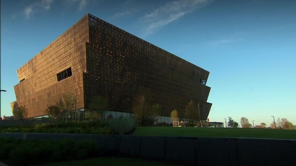 Smithsonian museum honors African-American pioneers