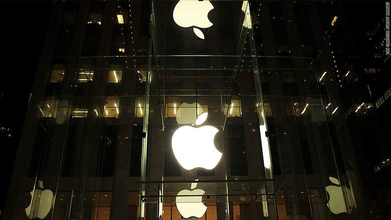 Apple's annual sales fall for first time since 2001