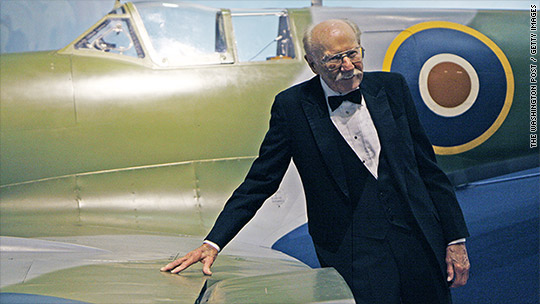 Man who escaped Nazis by stealing plane dies