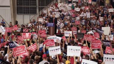 Trump and Clinton prep long final ads