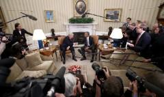 Trump team promises press pool, but concerns remain