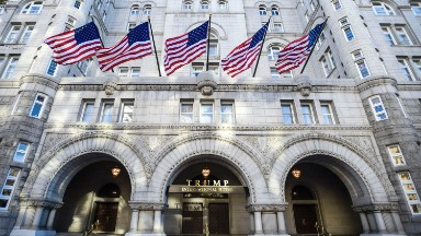 Oil lobby met with interior secretary at Trump hotel