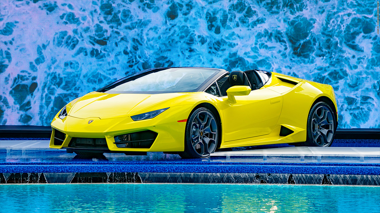 lamborghini unveils soft top huracan 580 2 spyder video luxury. Black Bedroom Furniture Sets. Home Design Ideas
