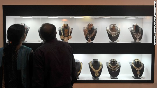 Diamond sales are down, and it's India's fault