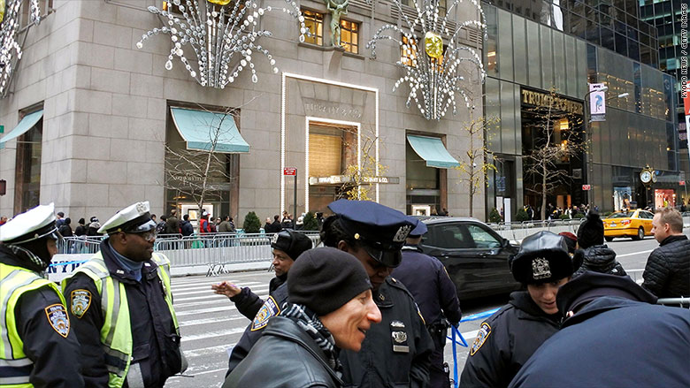 No diamond in the rough. Tiffany plunges on weak sales