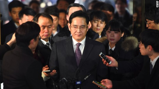 Samsung heir arrested in corruption scandal