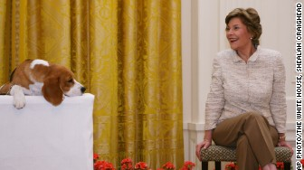 Shealah Craighead Laura Bush and dog
