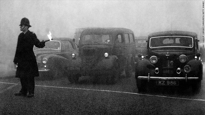 london policeman smog 1952