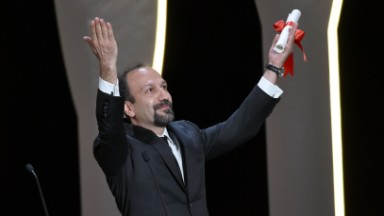 Oscar nominee Asghar Farhadi says he'll skip ceremony due to Trump ban