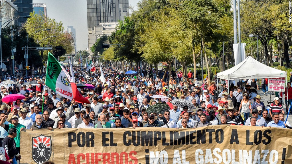 Mexicans protest gas hikes