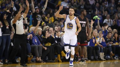 Will Under Armour get a Steph Curry bump again?