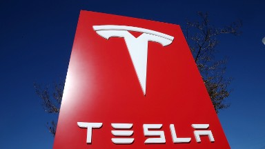 Tesla's battle with union organizers is heating up