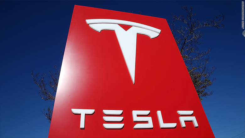 Tesla's market cap is closing in on Ford's