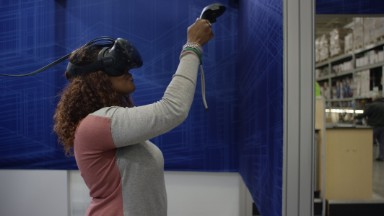 Lowe's turns to virtual reality for home improvement