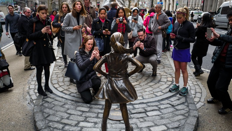 'Fearless Girl' will stay through early next year