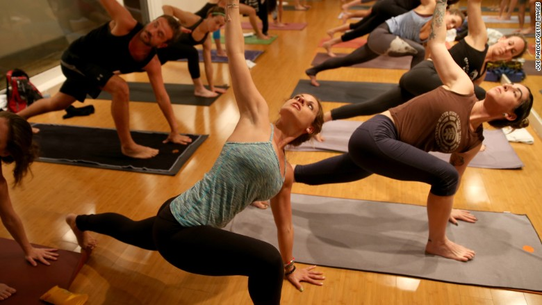 Lululemon nosedives 21%: Its spring leggings are boring