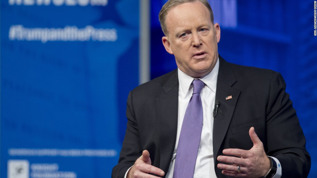 Spicer: I made a mistake with Hitler comment