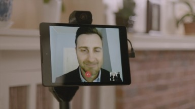 Roaming robot wants to upgrade your videochats