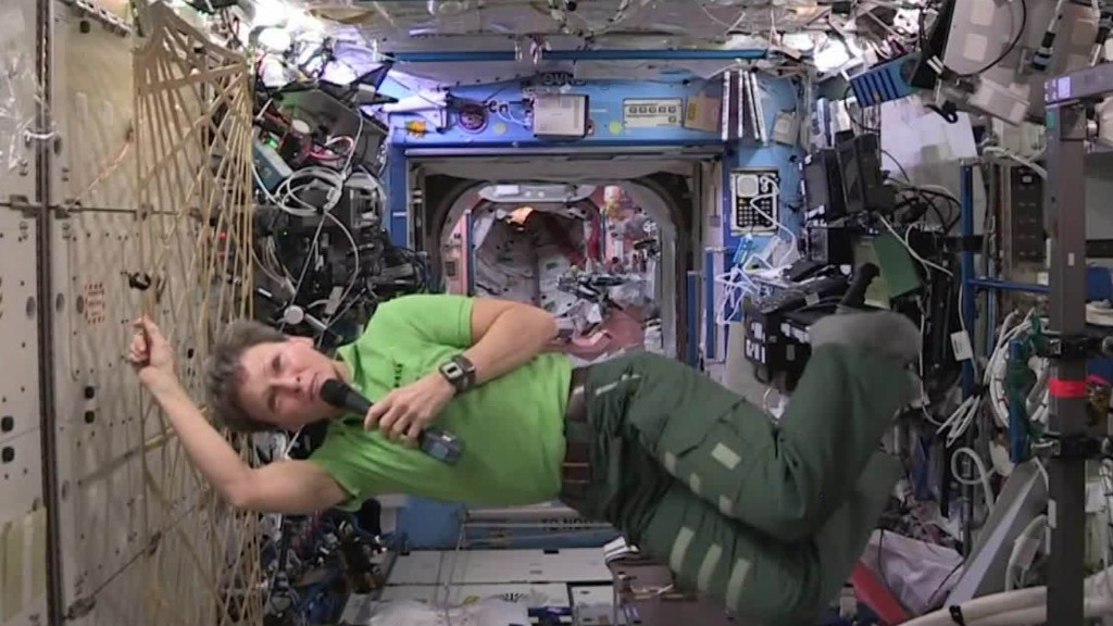 Woman sets U.S. record for most days in space