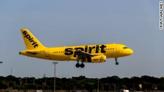 spirit airlines plane exterior