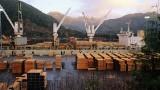 Trump slaps first tariffs on Canadian lumber