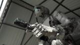 This Russian robot shoots guns