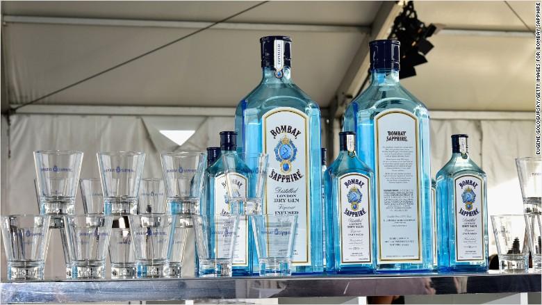 bombay sapphire gin alcohol bottle logo