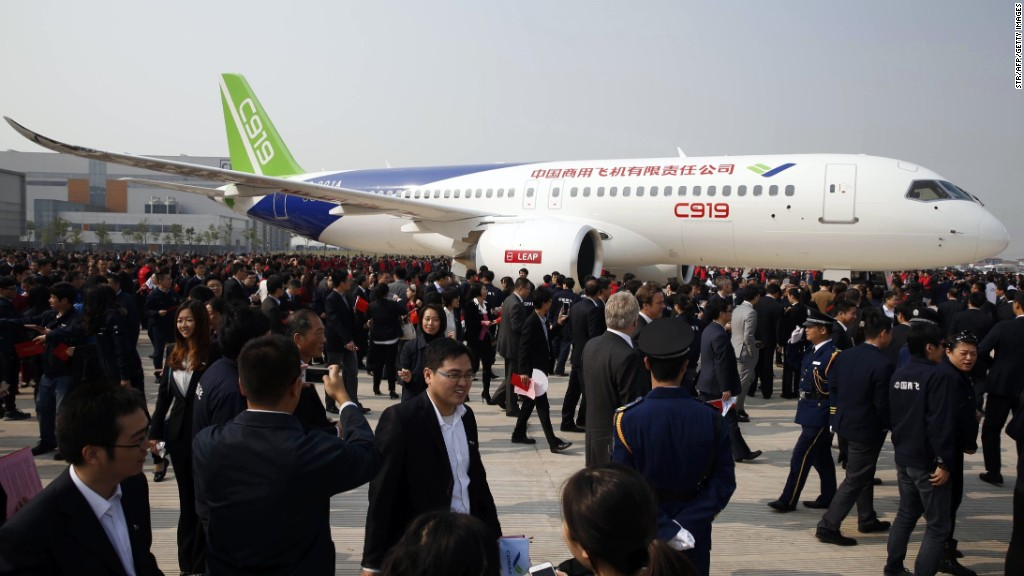 China's first big passenger jet completes maiden flight