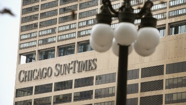 Chicago Tribune owner wants to buy the Chicago Sun-Times