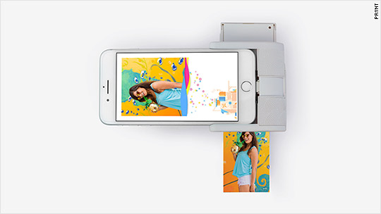 This gadget turns iPhones into photo printers