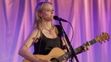Singer Jewel reveals life as a homeless kid: 'People treated me like I was contagious'