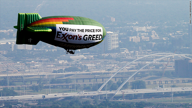 exxon greenpeace blimp