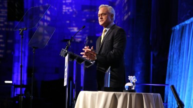 Scott Pelley out at 'CBS Evening News'