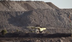 Indian billionaire to open huge new coal mine in Australia